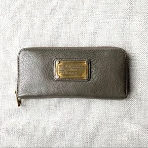Marc by Marc Jacobs Classic Q Zippy Wallet
